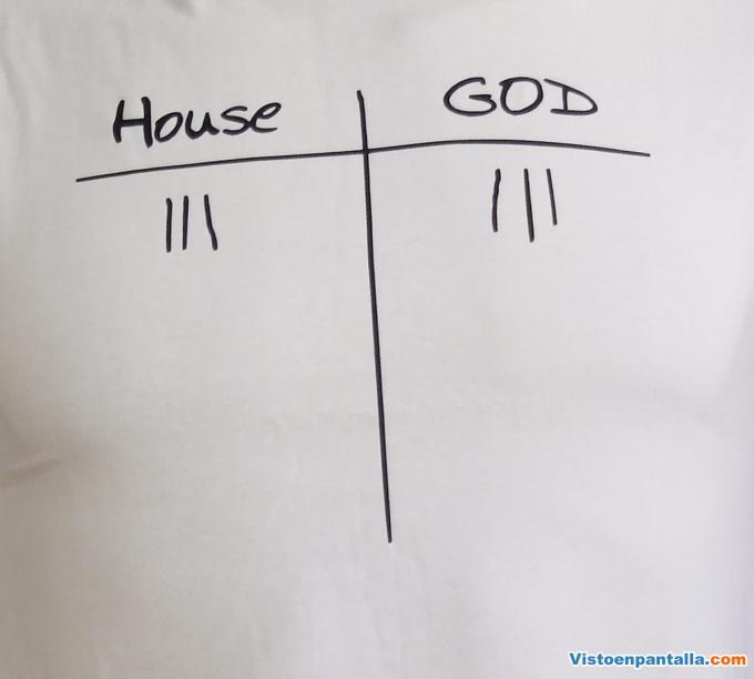 Camiseta House vs Dios.