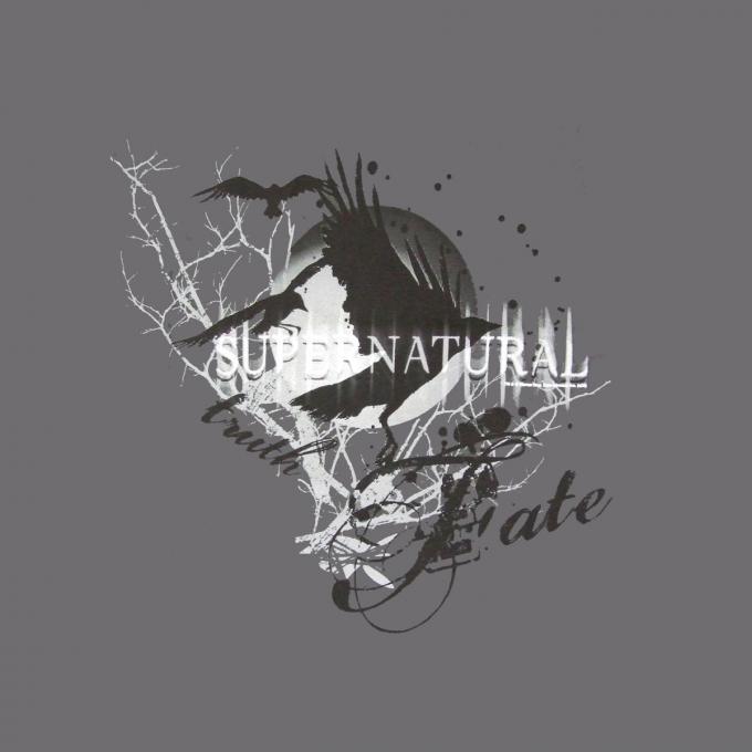 Camiseta Supernatural. Cuervos
