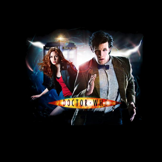Camiseta chica Doctor Who. 11º Doctor y Amy
