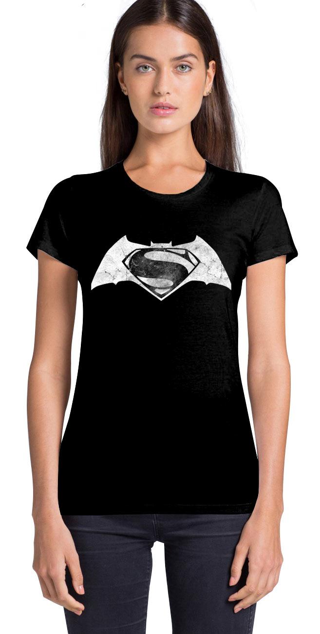 Camiseta chica logo Batman v Superman: el Amanecer de la Justicia. Modelo 2