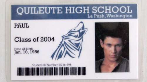 Carnet de Estudiante Crepúsculo. Quileute High School