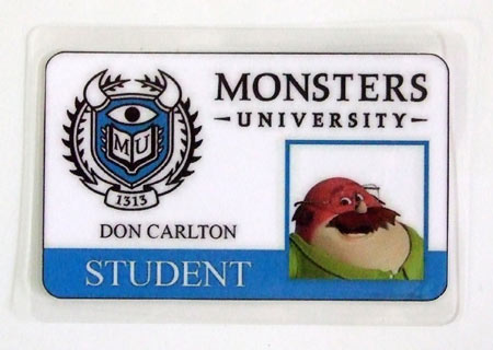 Carnet de estudiante Monstruos S.A. Monsters University. Don Carlton