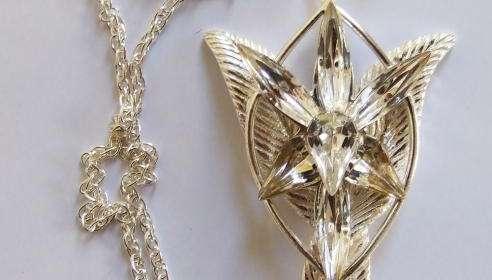 Colgante Arwen El Señor de los Anillos. Plata Pura. Noble Collection
