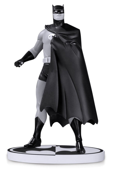 Estatua Batman Black and White