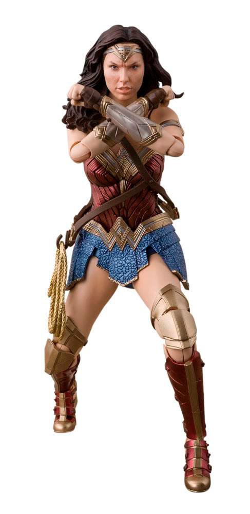 Figura Wonder Woman 15 cm. La Liga de la Justicia. Línea S.H. Figuarts. Bandai