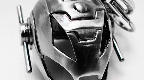 Llavero metálico casco Ultrón 5 cm. Los Vengadores: la era de Ultrón
