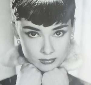Poster Audrey Hepburn. Cara de Angel